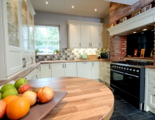 Fitted made to measure kitchen